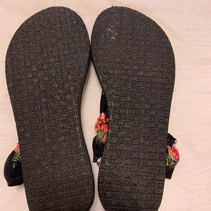 Sanuk Shoes - Sanuk Sandals